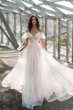 Cute Wedding Dress, Wedding Dress Trends, Wedding Dress Sizes, Best Wedding Dresses, Ethereal Wedding Dress, Most Beautiful Wedding Dresses, Unique Wedding Gowns, Garden Wedding Dresses, Hippie Wedding Dresses