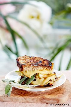 Gouda and Pear - YUMMMMMM 5 Grilled Cheese Sandwiches That Are Perfect for Summer via @MyDomaine