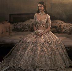 Nothing like lehenga sets to make a 'Gram-worthy' statement. Wedding Lehenga Designs, Designer Bridal Lehenga, Indian Bridal Lehenga, Indian Bridal Outfits, Indian Bridal Fashion, Pakistani Bridal Dresses, Bridal Lenghas, Asian Bridal Dresses, Indian Gowns Dresses