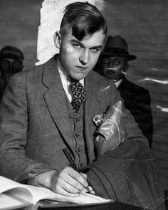 "Gordon Stewart Northcott ""los asesinatos del Gallinero de Wineville""."