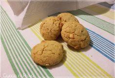 Biscotti cioccolato bianco e nocciole / White chocolate and hazelnut cookies