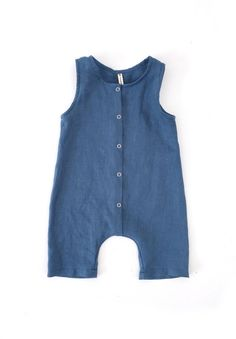 Baby romper in a classic tank top style with cropped legs. Made with soft stone washed linen certified) in a variety of colours. Toddler Sewing Patterns, Baby Clothes Patterns, Baby Sewing, Boho Baby Clothes, Gender Neutral Baby Clothes, Newborn Outfit, Rompers For Kids, Fancy Dress For Kids, Romper Pattern