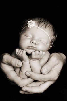 Beautiful baby photo idea!