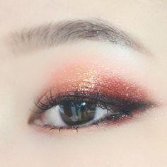 Orange shimmer look