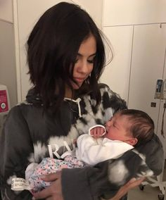 @rimawslaiby: Happy you are better now Aunty Selena! I know how hard your surgery was on you and you are only a hero in my eyes  @selenagomez