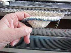 Penny Socks – use pennies as weights. No grafting or sewing of toe after! Penny Socks – use pennies as weights. No grafting or sewing of toe after! Beginner Knitting Patterns, Knitting Machine Patterns, Sweater Knitting Patterns, Loom Knitting, Knitting Stitches, Knitting Socks, Knitting Projects, Hand Knitting, Knitting Tutorials
