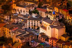 Warm light at sunset - Lanes of Piedimonte Matese by Simone Ciliberti on 500px