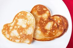 Smart Restaurants have chosen some fun pancake shapes for you to make on Pancake Day. Sweet Potato Baby Food, Heart Shaped Pancakes, Quinoa Pancakes, Breakfast Plate, Pancake Day, Happy Morning, Valentines Day Activities, Baby Food Recipes, Brunch