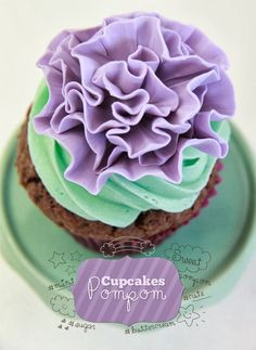 Amazing Snaps: pompom cupcakes |see more