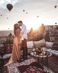 Every one really wants to as happy as they possibly can be with their partner. Have a look at these 28 things couples can do to build and sustain a happier and healthier relationship. Cute Couples Goals, Couple Goals, Photo Couple, Happy Marriage, Cute Relationships, Couple Relationship, Romantic Couples, Romantic Gifts, Romantic Weddings
