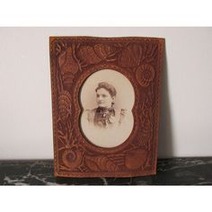 Antique Aesthetic Tooled Leather Picture Frame with Sea Shells Antique Decor, Antique Items, Vintage Home Decor, Tooled Leather, Leather Tooling, Movement Pictures, Antique Picture Frames, Steampunk Wedding, Aesthetic Movement