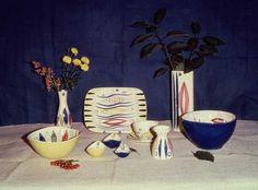 140 - Fisker i blå bølger - Stavangerflint Stavanger, Modern Design, Pottery, Painting, Scale, Ceramica, Contemporary Design, Pottery Marks, Painting Art
