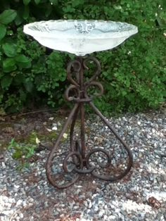 Birdbath, using vintage glass lamp shade and wrought iron lamp base. #GlassLamp