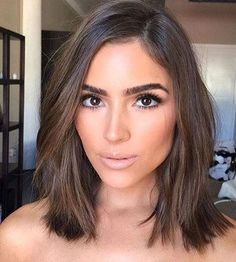 Short Bob Hairstyles For Women With Different Type Of Hair & Face - Stylendesigns - - Normally short hair makes you appear much younger. But short hair does not suit every type of face. These Short bob hairstyles for different type of hair. Short Hairstyles For Women, Hairstyles Haircuts, Medium Brunette Hairstyles, Female Hairstyles, Celebrity Hairstyles, Hairdos, Summer Hairstyles, Trendy Hairstyles, Brown Blonde Hair