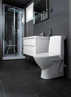 Black white bathroom #Asuntomessut2014 Kohde 16 - Noppakoti B