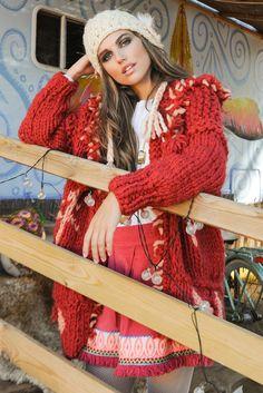 Look Bianka Jacket y Alena Skirt Ibiza, Boho Chic, Lana, Dreadlocks, Hair Styles, Skirts, Jackets, Beauty, Fall Winter