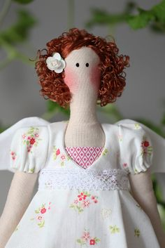 Linda's Angels: tilda   No patterns available here, but can get great ideas.