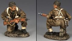 World War II British Army DD232 British Commando Kneeling with Rifle - Made by King and Country Military Miniatures and Models. Factory made, hand assembled, painted and boxed in a padded decorative box. Excellent gift for the enthusiast.