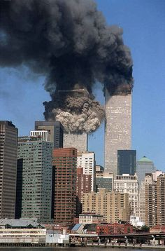 world trade center attack \ world trade center attack ` twin towers attack world trade center World Trade Center Collapse, World Trade Center Nyc, World Trade Center Attack, World Trade Towers, 911 Twin Towers, 11 September 2001, Photographie New York, Patriotic Pictures, North Tower