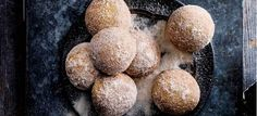 Video: how to make baked Easter spiced donuts