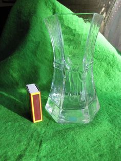 GLASS VASE PRODUCED BY SEA GLASBRUK AB KOSTA SWEDEN Handmade chipped marked red