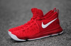 A Closer Look At The Nike KD 9 Varsity Red