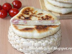 Absolut Delicios - Retete culinare: PLACINTE LA TIGAIE CU SUNCA SI CASCAVAL Romanian Food, Romanian Recipes, Camembert Cheese, Healthy Eating, Breads, Healthy Diet Foods, Braided Pigtails, Eating Healthy, Bread