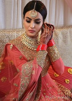 Need to know about the best Classic Indian Saree such as Elegant Design Sari also Bollywood fashion then Click Visit link above for more options Indian Bridal Fashion, Indian Bridal Wear, Asian Bridal, Indian Wedding Outfits, Pakistani Bridal, Bridal Outfits, Bridal Lehenga, Indian Outfits, Bridal Dresses