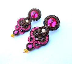 Brun bruns roses boucles d'oreilles boucles par StudioGianna