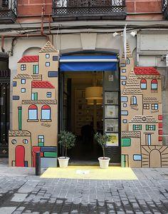 La inmobiliaria Las Letras, en la calle San Pedro, fue una perfecta fuente de inspiración para el montaje de Carlos Mayoral, de Penta Diseño...