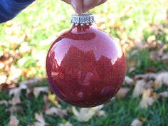 Mom 4 Real: Make Your Own Glitter-Filled Glass Ornaments