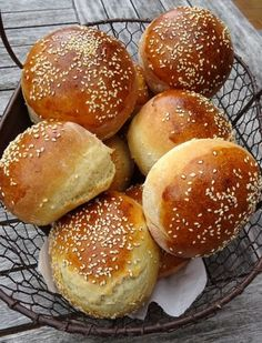 Les buns les plus parfaits ! No Salt Recipes, Baking Recipes, Snack Recipes, Perfect Bun, Bread And Pastries, Food Humor, Love Food, Food And Drink, Favorite Recipes
