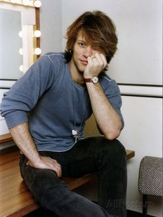 jon-bon-jovi-american-pop-singer-bon-jovi-group-sitting-in-his-dressing-room.jpg (366×488)