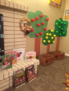 Dramatic Play Themes, Dramatic Play Area, Dramatic Play Centers, Preschool Dramatic Play, Toddler Learning Activities, Autumn Activities, Preschool Activities, Preschool Apple Theme, Fall Preschool