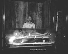 Area 51 The mystery behind is revealed now. the conspiracy theory is there and so many tell that there is an alien . Illuminati, Paranormal, Aliens And Ufos, Ancient Aliens, Alien Pictures, Alien Photos, Unidentified Flying Object, Ufo Sighting, Black Ops
