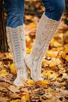 Ulla 03/13 - Ohjeet - Lainelaita Cable Knit Socks, Wool Socks, Knitting Socks, Hand Knitting, Stockinette, Yarn Colors, Leg Warmers, Mittens, Ravelry