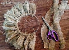 Here is a really 3 supply burlap wreath! So easy your kids could do it. crafts wreath, DIY {easy} Burlap Wreath - Spoonful of Imagination Easy Burlap Wreath, Burlap Wreath Tutorial, Diy Wreath, Mesh Wreaths, Holiday Wreaths, Stick Wreath, Sunflower Burlap Wreaths, Chevron Burlap Wreaths, Yarn Wreaths