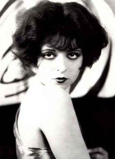 Google Image Result for http://2.bp.blogspot.com/-xCDYQfnpMHU/TWcIG0RJpHI/AAAAAAAAAsw/ZgWxNdZlgyI/s1600/Clara-Bow-in-1920s.jpg