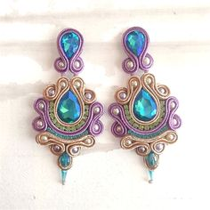 Every day, millions of people shop for jewelry. Jewelry is popular among all age groups and genders. Though many people buy jewelry Ribbon Jewelry, Soutache Jewelry, Fabric Jewelry, Beaded Jewelry, Beaded Earrings, Earrings Handmade, Handmade Jewelry, Unique Jewelry, Clean Gold Jewelry
