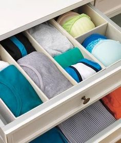 Rescue overstuffed drawers from chaos—and your dresser top from its destiny as a drop spot for junk. Clutter coach Chip Cordelli makes an open-and-shut case for how to do it. Dresser Organization, Organization Hacks, Organizing Ideas, Organizing Life, Organising, Dresser Top, Dresser Drawers, Organize Dresser, Dressers