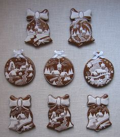 Today we are looking at Moravian and Bohemian gingerbread designs from the Czech Republic. Back home, gingerbread is eaten year round and beautifully decorated cookies are given on all occasions. Christmas Biscuits, Christmas Sugar Cookies, Christmas Sweets, Christmas Baking, Gingerbread Cookies, Italian Christmas, Fancy Cookies, Iced Cookies, Biscuit Cookies
