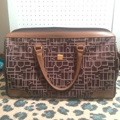 DIANE vonFURSTENBERG WEEKENDER DVF WEEKENDER BAG  REALLY GOOD CONDITION  20 inches wide x 12 inches tall   FEEL FREE TO MAKE OFFERS Diane von Furstenberg Bags Travel Bags