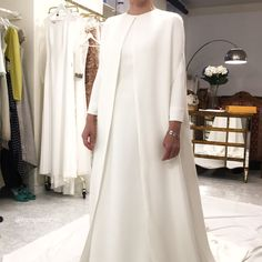 Qué esconderá ahí debajo... ❣️❣️❣️❣️ Feliz #coffeetime :) #somethingyouwouldliketowear #noviasbydearroyo #dearroyoateliernovias #dearroyoatelier #amedida #handmade #altacostura #modaespañola #hautecouture #luxurycouture #luxury #novia #bride #bridal #wedding #weddingplanner #vestidodenovia #bridedress #bridaldress #vestido #dress #foto #pic #moda #fashion #instafashion
