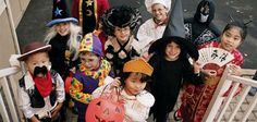 Halloween costumes for kids can be expensive. Discover some cheap and easy homemade Halloween costumes ideas for kids. Visage Halloween, Halloween Noir, Fete Halloween, Halloween Night, Scary Halloween, Happy Halloween, Halloween History, Halloween Tricks, Halloween Images
