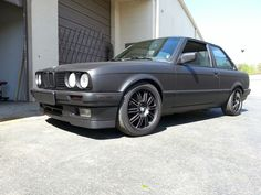 Plasti dip BMW E30. If Batman had an E30... this would be it!! Supper clean plasti dipped black on black.