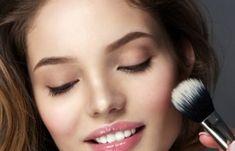 Μάσκα προσώπου που αφαιρεί μαγικά πανάδες, σημάδια ακμής, ρυτίδες από την δεύτερη χρήση της! | Μυστικά ομορφιάς | mystikaomorfias.gr Lipstick, Beauty, Lipsticks, Beauty Illustration