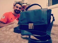 c'est tata qui l'a fait ! sur Instagram: Maintenant que tous les cadeaux de Noël ont été offerts, je peux vous montrer le dernier sac à main cousu pour ma coupine @lenarcoleptiques…