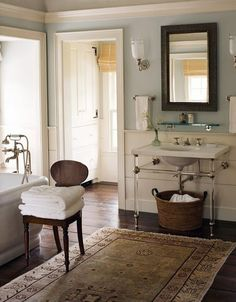 This entire house is pretty near perfect in my opinion. It fits very closely to my favorite look for an interior. Click through to see more rooms of this house. Note--as best I can tell, these rooms do not belong to one house, but are one pinner's drea Bad Inspiration, Bathroom Inspiration, Urban Cottage, Lake Cottage, American Houses, Traditional Bathroom, Traditional Baths, Neo Traditional, Beautiful Bathrooms