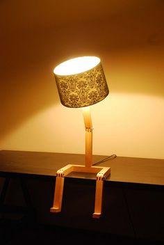 La lámpara con patas tiene más carisma que la de Pixar