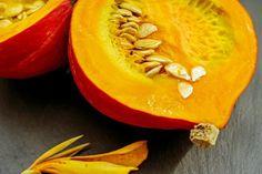 Healthy Ways to Wake Up to a Pumpkin Breakfast Pumpkin Seed Oil, A Pumpkin, Pumpkin Seeds Benefits, Courge Spaghetti, Pumpkin Breakfast, Homemade Pumpkin Puree, Pumpkin Recipes, Natural Protein, Iron Rich Foods